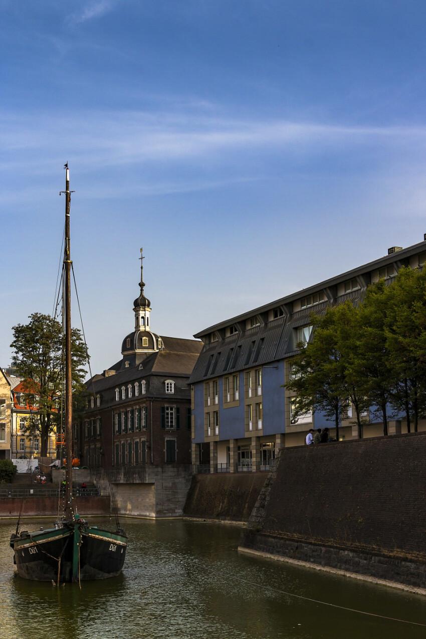 old harbor dusseldorf vertical