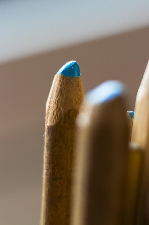 blue wood crayon