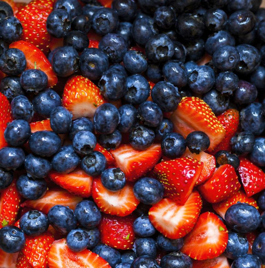 strawberries and blackberries texture