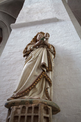 Stock Image: Lübeck Cathedral Statue with Mary and Jesus Baby